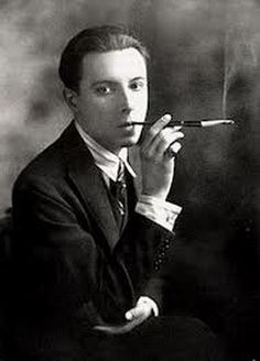 Erte Alphonse Mucha, Old Photos, Vintage Photos, Art Nouveau, Erte Art, Romain De Tirtoff, Art Deco Artists, 23 November, Portraits