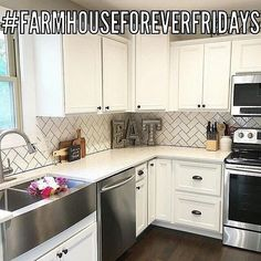 'Farmhouse' doesn't always mean chickenwire and distressed finishes as seen in this week's co-host choice @rock.n.robs  Look at the beauty in this kitchen. Yay! 😁 💗 Join us this week and post anytime today thru Thursday and be sure to use the hashtag #FarmhouseForeverFridays. The chosen photo & new co-host will be featured next Friday! Be sure to follow & tag your hosts too. (We check) 👉Anna @behinddoorsdecor 👉Jann @lampgoods 👉Heather @therusticcoop And our guest host this week…