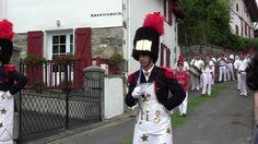 Procession Fête Dieu d'Iholdy, en juin au #PaysBasque
