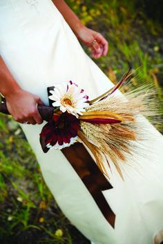 daisies, wheat bouquet, Flowers by Cindi Chittenden; ZumaPhoto | @Utah Bride & Groom magazine