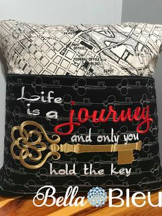 Awesome Most Popular Embroidery Patterns Ideas. Most Popular Embroidery Patterns Ideas. Book Pillow, Reading Pillow, Pillow Talk, Pillow Cases, Hand Embroidery Designs, Embroidery Patterns, Sewing Patterns, Applique Designs, Easy Sewing Projects