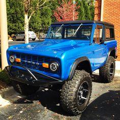 #fordbronco #ford #bronco #motorizm - Ford Bronco Old Ford Bronco, Bronco Truck, Early Bronco, Jeep Truck, Classic Bronco, Classic Ford Broncos, Classic Trucks, Jacked Up Trucks, Cool Trucks