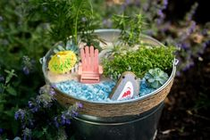 Get your kids excited about growing things with these fun (and secretly educational) gardening projects. Garden Projects, Projects For Kids, Crafts For Kids, Garden Ideas, Shark Week, Beach Fairy Garden, Fairy Gardens, Summer Garden, Cocktail Umbrellas