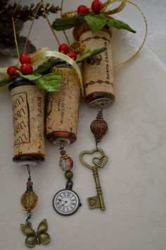 Wine Cork Ornaments with Locket, Clock, Key or Butterfly. Wine Craft, Wine Cork Crafts, Wine Bottle Crafts, Wine Bottles, Wine Glass, Wine Cork Ornaments, Handmade Ornaments, Xmas Ornaments, Homemade Christmas