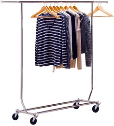 LITTLE BIG LIFE: Even a small home office can be perfect for keeping your garment rack! Get more tips here!