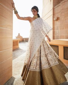 Sabyasachi :: Khush Mag - Asian wedding magazine for every bride and groom planning their Big Day Indian Gowns Dresses, Indian Fashion Dresses, Dress Indian Style, Indian Designer Outfits, Lehenga, Anarkali, Sabyasachi, Indian Attire, Indian Ethnic Wear