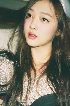 F(x) sulli girl Sulli Choi, Choi Jin, Beauty And Fashion, Victoria, Korean Actresses, Krystal, K Idols, Korean Girl Groups, Pretty People