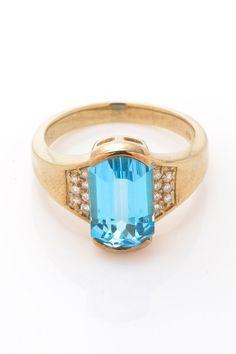 Vintage Estate Jewelry 18K Gold Blue Topaz & Diamond Ring - Size 8.5 by LXR on @HauteLook