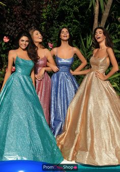 Prom Outfits and Prom Dresses Pretty Prom Dresses, Hoco Dresses, Dance Dresses, Ball Dresses, Cute Dresses, Ball Gowns, Bridesmaid Dresses, Formal Dresses, Wedding Dresses