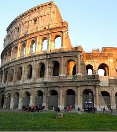 Le Colisée de Rome en Italie,  l'une des 7 merveilles du monde moderne