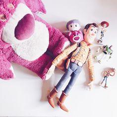 Cet après-midi c'est Toy Story ! Je suis joie ! C'est l'un de mes Pixar préférés. Et vous ? 😘💕