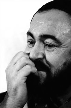 Luciano Pavarotti por Juan Esteves (c)