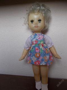 Starší ruská mrkací panenka blondýnka 36 cm