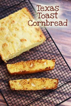 Texas Toast Cornbread - Sweet T Makes Three... this REALLY sounds good! would be great with chili!