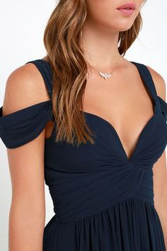 From sea to shining sea the Bariano Ocean of Elegance Navy Blue Maxi Dress will have you in the lap of luxury! Navy blue Georgette with ruching forms a stunning maxi. Navy Blue Bridesmaid Dresses, Blue Dresses, Bridal Dresses, Prom Dresses, Formal Dresses, Dress Prom, Dress Wedding, Blue Maxi, Trendy Dresses