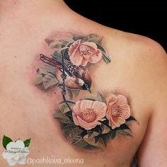 Gorgeous wren by Aleena Pashkova. Chest Tattoo, S Tattoo, Back Tattoo, Cool Tattoos, Awesome Tattoos, Bird Tattoo Sleeves, Sleeve Tattoos, Songbird Tattoo, Flower Tattoos