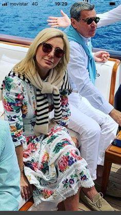 Marie Chantal Of Greece, Greek Royalty, Greek Royal Family, Claudia Lars, Casa Real, Royal House, Royals, Print Patterns, Sisters