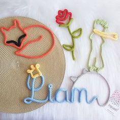 Inquadri (@inquadri) • Fotos e vídeos do Instagram Crochet Bebe, Crochet Dolls, Crochet Wallet, Spool Knitting, Baby Kit, New Years Eve Party, Wire Art, Diy Toys, String Art