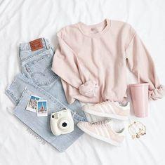 Gutschrift Ellen Bee Source by tween outfits casual Teenage Outfits, Cute Teen Outfits, Cute Outfits For School, Cute Comfy Outfits, Cute Summer Outfits, Outfits For Teens, Pretty Outfits, Stylish Outfits, Winter Outfits