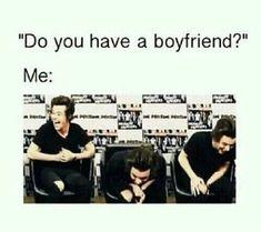 One direction memes! Memes One Direction, I Love One Direction, Memes Humor, Jokes, Funny Relatable Memes, Funny Quotes, Funny Single Memes, Style Zayn Malik, Harry Styles Memes
