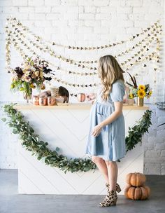 A modern fall themed baby shower for Eden Passante, hosted by Munchkin, as she celebrates the arrival of her new baby boy!