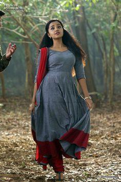 Anupama Parameswaran Actress Photos Stills Gallery Churidar Designs, Kurta Designs Women, Dress Neck Designs, Saree Blouse Designs, Indian Designer Outfits, Indian Outfits, Kalamkari Dresses, Frocks And Gowns, Designer Anarkali Dresses