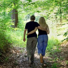 A nice romantic walk through the woods. Marriage Romance, Love And Marriage, Healthy Living Tips, Healthy Life, Healthy Habbits, Romantic Gestures, Inspirational Phrases, Good Dates, Cloudy Day