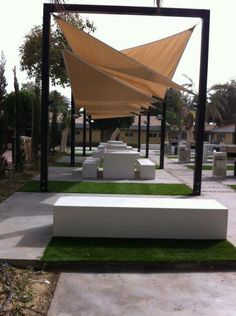 Mobiliário Urbano Amop - Charcoal Grill Garden, Al-Mutlaq Compound Residents