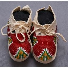 PLAINS BEADED BABY MOCCASINS