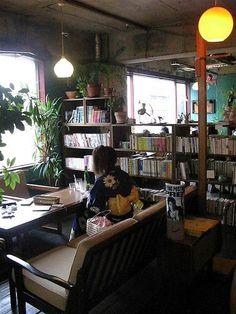 Cafe Kocsi by Michael Lambe, via Flickr  Aneyakoji dori & Tominokoji, 2F.
