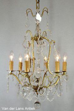 Antieke Franse kroonluchter 25398 bij Van der Lans Antiek. Bekijk al onze antieke lampen op www.lansantiek.com