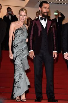 Naomi Watts in Armani Prive and Matthew McConaughey - HarpersBAZAAR.com