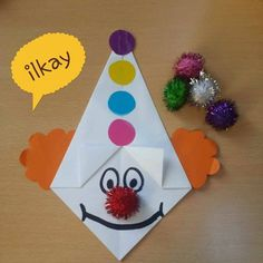 Clown made from folded paper. Clown Crafts, Circus Crafts, Carnival Crafts, Halloween Crafts, Diy And Crafts, Arts And Crafts, Paper Crafts, Toddler Crafts, Preschool Activities