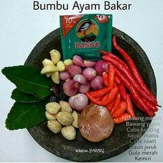 Bumbu Ayam Bakar Indian Food Recipes, Asian Recipes, Sambal Recipe, Indonesian Cuisine, Indonesian Recipes, Good Food, Yummy Food, Malaysian Food, Western Food