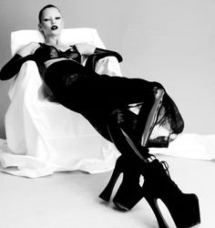 """fashion-boots: """"Kate Moss photographed by Nick Knight for i-D Magazine, Film test by Ruth Hogben, Source video """" Kate Moss, Gifs, Back To Black, Black And White, Goth Shoes, Victorian Goth, Vogue Spain, Gif Animé, Photo Black"""