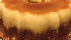 Impress your guests with this banana flan cake: spice cake on the bottom and flan on the top with caramel topping oozing down the sides. Spice Cake Mix Recipes, Easy Cake Recipes, Gourmet Recipes, Baking Recipes, Dessert Recipes, Dishes Recipes, Dessert Ideas, Delicious Recipes, Desserts