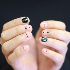 Matte Black Try with toothpicks | Pinterest: Natalia Escaño