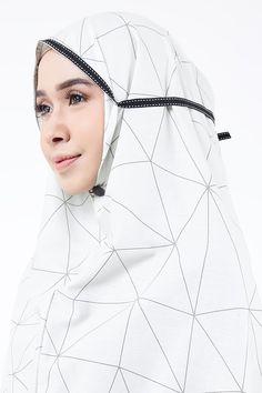 Olive Blouse Batik, Modern Hijab Fashion, Hijab Tutorial, Abayas, Hijabs, Muslim Women, Sewing Patterns, Ootd, Womens Fashion