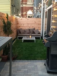 Beautiful outdoor design ideas in small space. Here are 25 cool tiny patio ideas. Backyard ideas townhouse Beautiful outdoor design ideas in small space. Here are 25 cool tiny patio ideas. Small Outdoor Patios, Backyard Ideas For Small Yards, Backyard Patio Designs, Small Backyard Landscaping, Outdoor Living, Backyard Decks, Outdoor Bars, Backyard Movie, Backyard Privacy