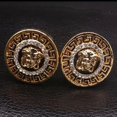 Versace earings very pretty brand new High quality very pretty but ❌❌real ❌means not Versace Jewelry Earrings