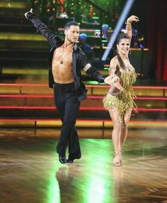 Dancing With the Stars Season 15 Premiere: Kelly Monaco and Val Chmerkovskiy