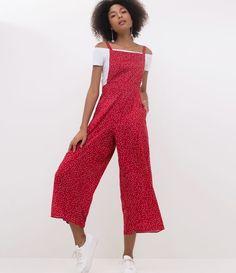 Macacão feminino   Modelo jardineira   Estampado   Marca: Blue Steel   Tecido: viscose   Composição: 100% viscose   Modelo veste tamanho: P       Medidas do modelo:     Altura: 1,75    Busto: 80    Cintura: 59    Quadril: 89     COLEÇÃO INVERNO 2018     Veja outras opções de    macacões femininos. Girls Fashion Clothes, Girl Fashion, Fashion Outfits, Clothes For Women, Womens Fashion, Playsuit Romper, Jumpsuit, Moda Afro, Beautiful Outfits