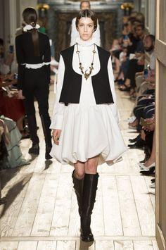 VALENTINO PARIS  HAUTE COUTURE 2016   White  dress  cocoon shape - black vest