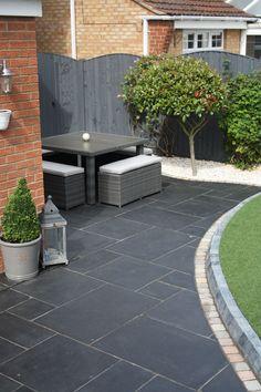 Garden Slabs, Slate Garden, Slate Patio, Garden Tiles, Patio Tiles, Garden Paving, Small Garden Ideas Paving, Patio Border Ideas, Slate Pavers