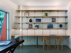 wall units with desk chairs table shelves decorative plants modern home office of Mesmerizingly Cool Ways to Pair Wall Units with Desk in a Room Home Furnishings, Home, Desk Wall Unit, Vintage House, Home Office Design, Modern Spaces, Vintage Home Offices, Wall Unit, Shelving