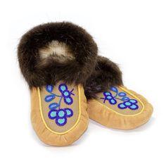 Size 10 Men's - 12 Women's Moose Hide and Beaver Fur Moccasins - with Blue Floral Design - Kitigan