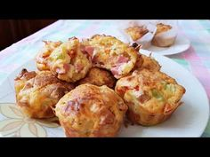 Λαχταριστά maffins με πάριζα και τυρί!! - YouTube My Recipes, Recipies, Quiche, Savory Muffins, Greek Cooking, Cookie Frosting, Food Platters, Kids Meals, Cupcake Cakes