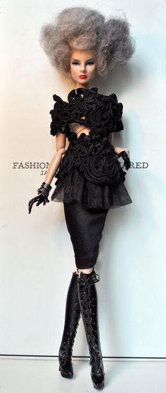 Virginia Black in an Em´lia couture black flower top