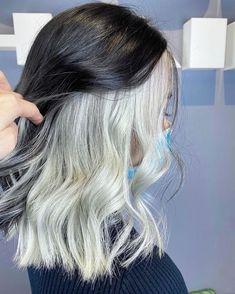 Two Color Hair, Hair Color Streaks, Hair Color Purple, Hair Dye Colors, Green Hair, Edgy Hair Colors, Unique Hair Color, Hair Highlights, Hair Color Underneath