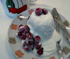 ŽENA-IN - Rychlá snídaně do hrníčku Panna Cotta, Pudding, Mugs, Cake, Ethnic Recipes, Food, Dulce De Leche, Custard Pudding, Tumblers